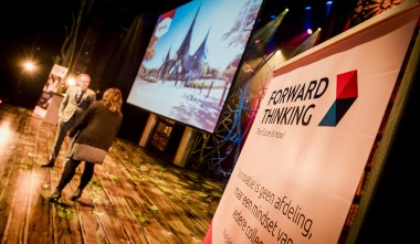 Podium jaarcongres Forward Thinking